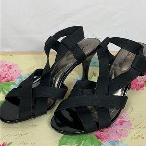 Dexflex comfort black straps heels size 6